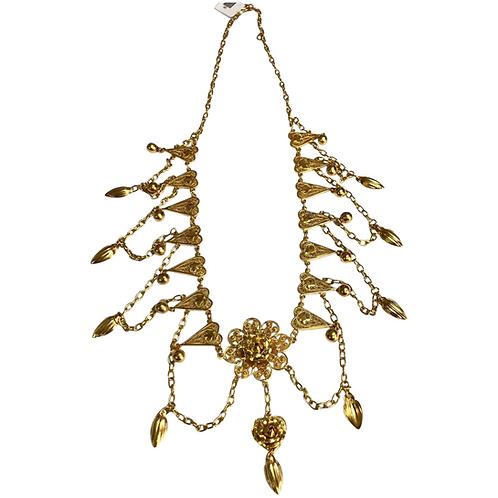 Victorian 18 K Yellow Gold Era Drapery French Rose Filigree Necklace.
