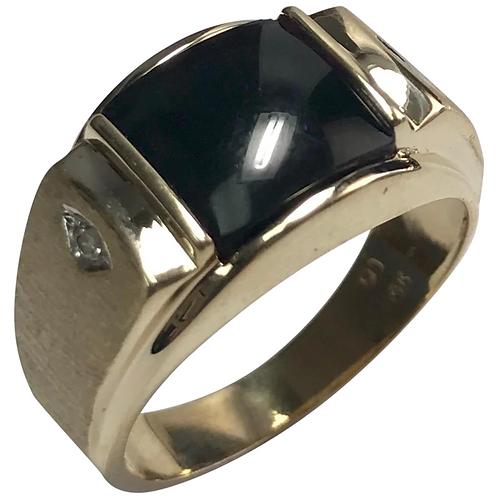 10 K Yellow Gold Onyx And Diamond Ring