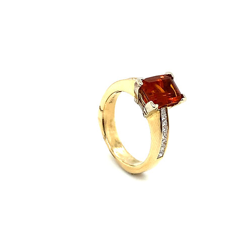 Gorgeous 14K Gold 1.25 Carat Citrine and Diamonds Ring