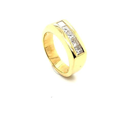 Men's Beautiful IGI Certified Yellow Gold & Diamond Wedding Ring