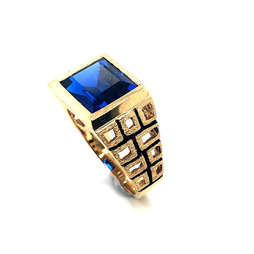 Men's Gorgeous Thick Blue Sapphire Set in 10K Yellow Gold Contemporary Design