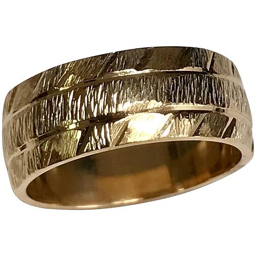 Vintage 14 K Yellow Gold Diamond Cut 6.5 mm Wedding Band