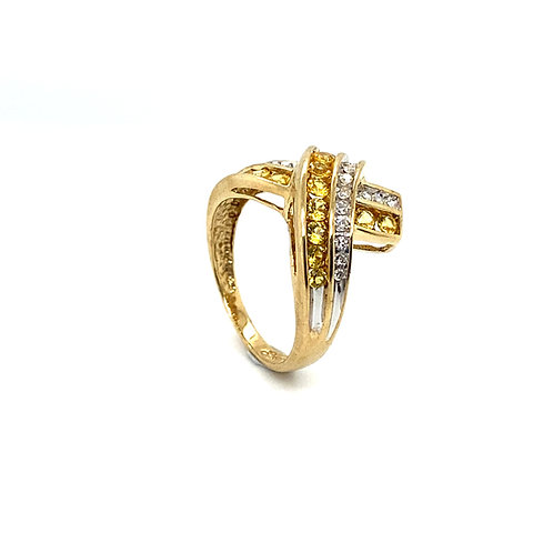Gorgeous 10K Gold Citrine and Diamonds Ring