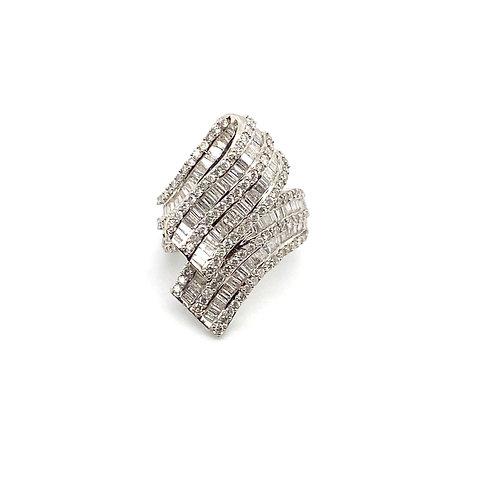 IGI Certified Diamond 14Kt White Gold Ring