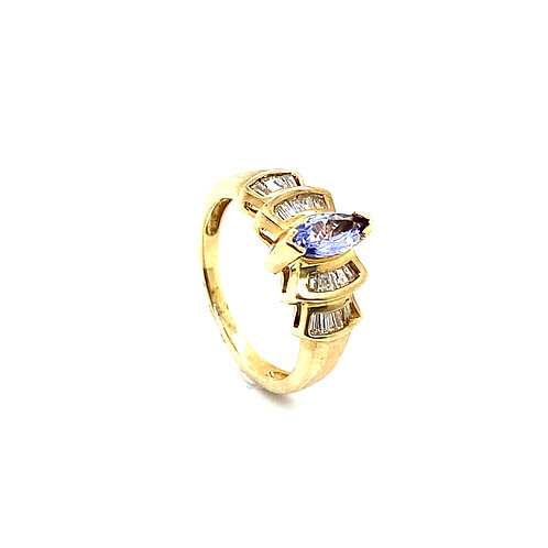 Gorgeous 10K Gold 0.5 Carats Diamond Shaped Amethyst Ring