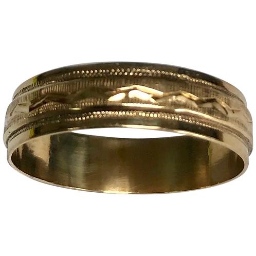 Vintage 10K Yellow Gold Diamond Cut 5.5 mm Wedding Band