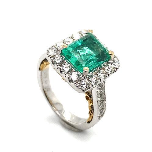 Beautiful 18K White & Yellow Gold Fancy Design Large Emerald  and Diamond Ring