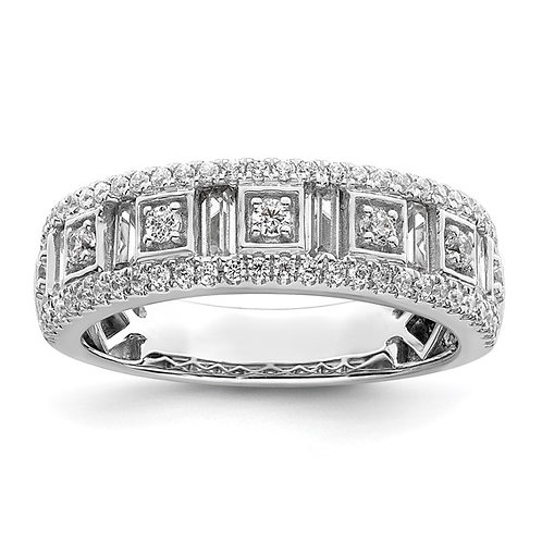 GORGEOUS! Women's 14k White Gold & Diamond Wedding Band