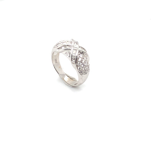 Gorgeous EGL Diamond 14K White Gold Ring