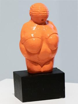 Venus of Willendorf (natural)