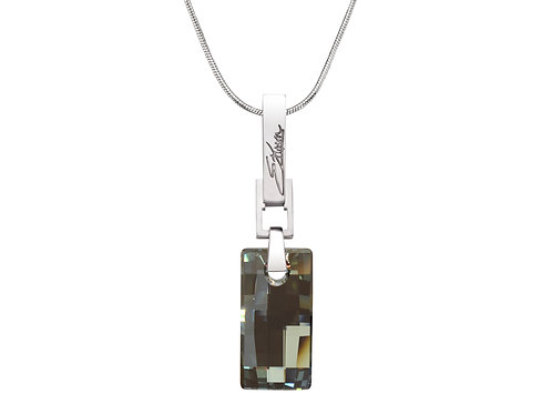 Elegant Necklace: Urban Embers Necklace Iridescent Green