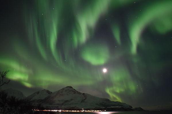 Nordlys Safari | Kjetil Skogli | The Aurora Chaser | Ellen Kvam Norwegian Design