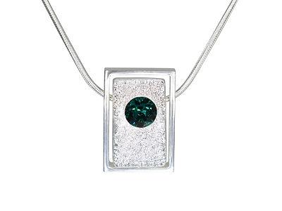 Birthstones Taurun Emerald 1.jpg