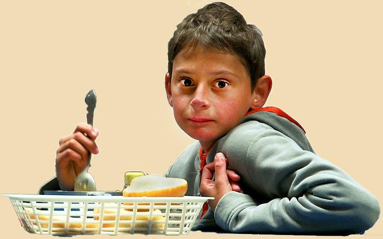 Junge mit Loeffelfreigestell_hell.jpg
