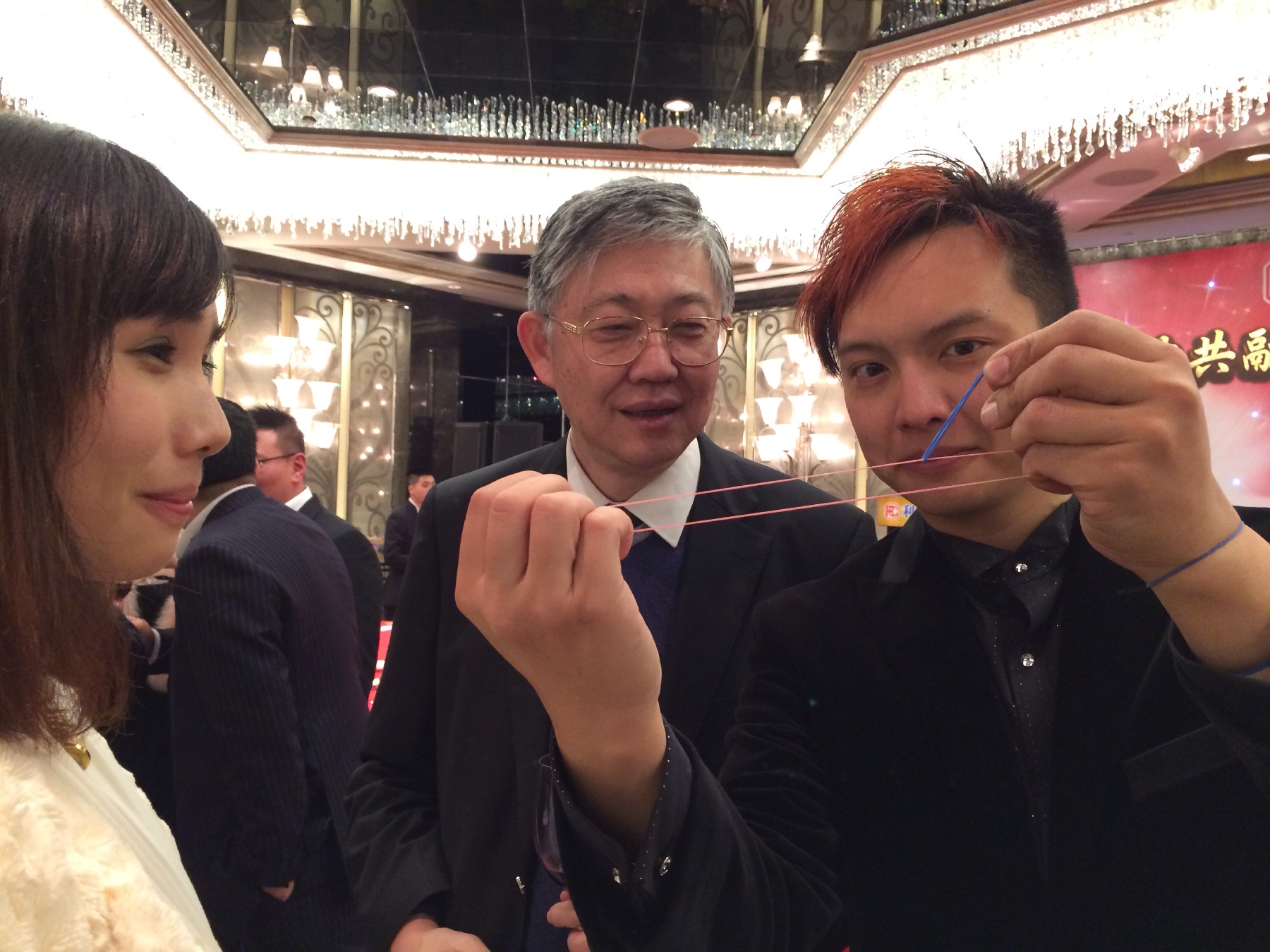 fooling Mr. Shih Wing Ching.