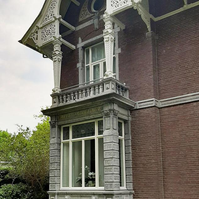 Motto- Villa Wilhelmina