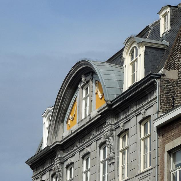 Motto- Van hoog niveau in de Hoogbrug straat