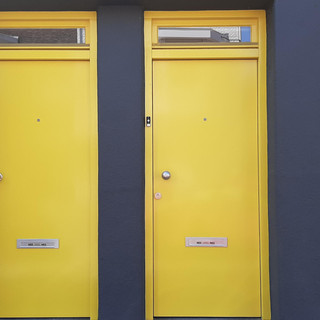 Motto: Geel, Yellow, Gelb, Jaune, Amarillo, Giallo
