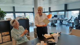 Uitreiking eerste exemplaar 'Teun Swinkels tekent Maastricht'