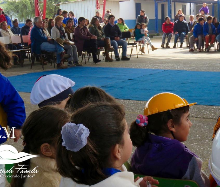 Acto en escuela de Los Quillayes