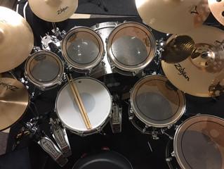 社長の音楽ブログ ドラム編①