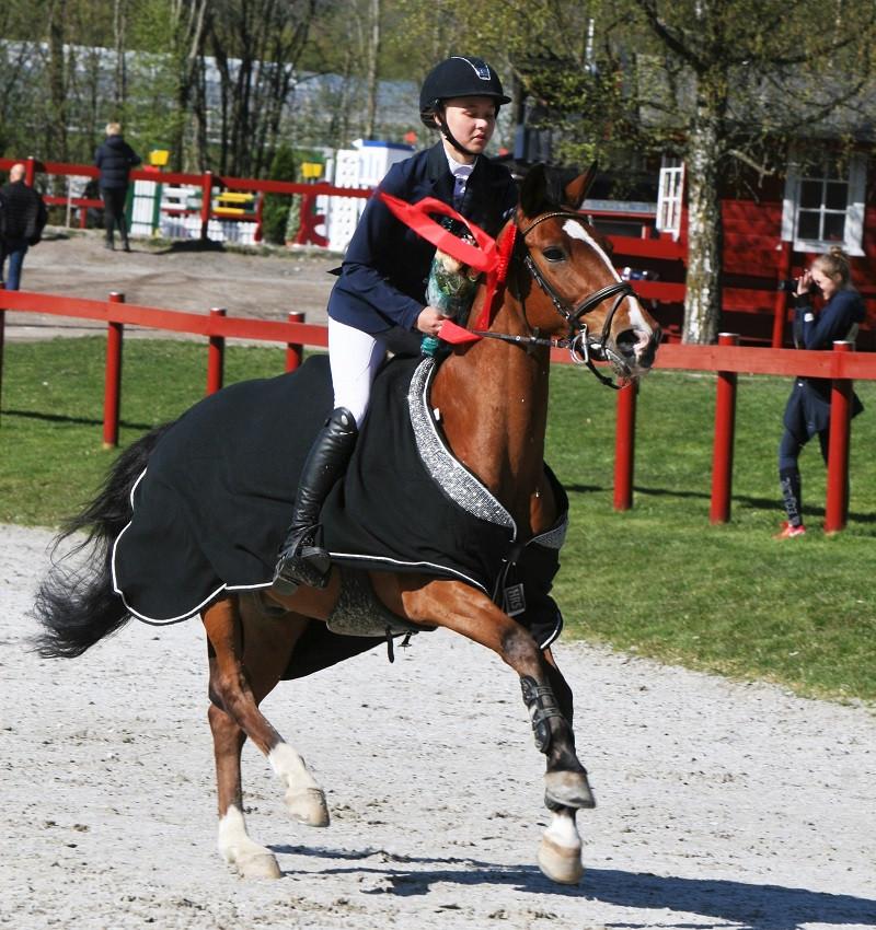 Ottilia Lundgren med Quincy.jpg