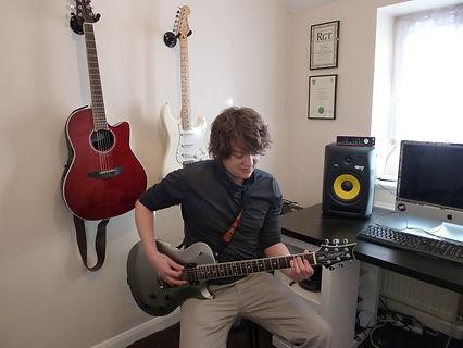 Guitar lessons Leeds, Studio