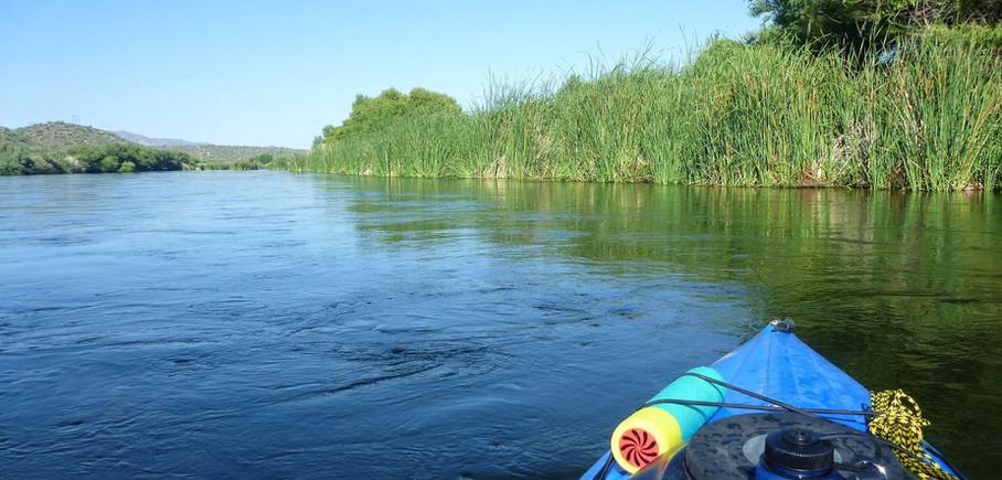 Kayaking Roosevelt Lake Damn