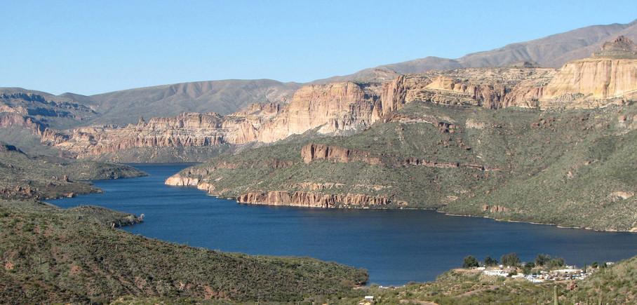 Kayaking Apache Lake