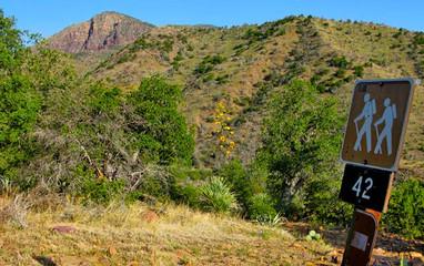 Trails_Halfmoontrail.jpg