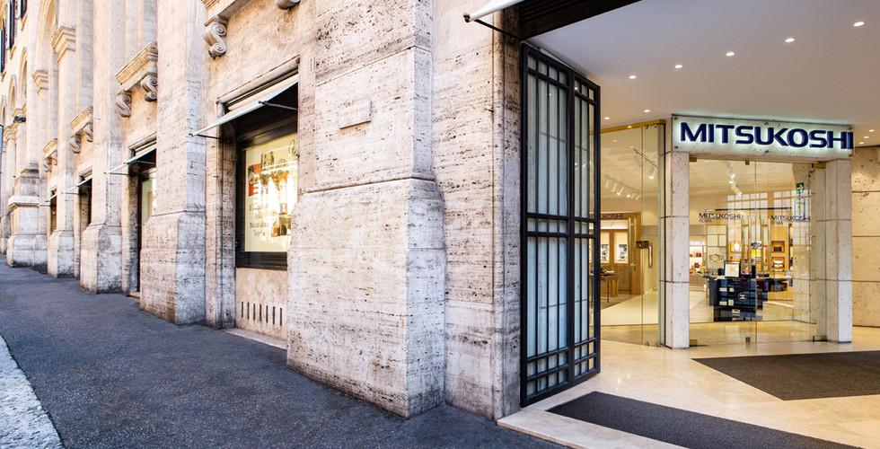 ローマ三越正面玄関