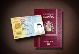El Ministerio de Justicia firma un convenio con el CGAE para presentar las solicitudes electrónicas de nacionalidad por residencia