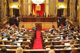 El TC suspende cautelarmente la resolución del parlamento de Cataluña que prevé un referéndum en 201