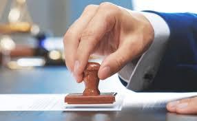 Condenado un notario a 4 años de cárcel por apropiarse de 400.920 euros de sus clientes