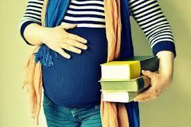 El TSJ de Madrid anula el examen de una opositora a enfermera a la que el tribunal obligó a acudir pese a estar a punto de dar a luz