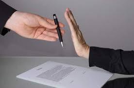 La Audiencia de Castellón anula una cláusula de un contrato bancario por el tamaño de la letra