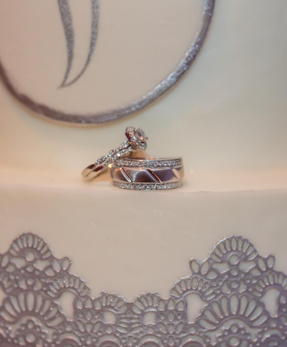 Wedding Rings & Wedding Cake