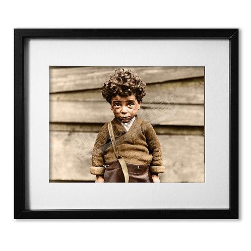 Lewis Hine - Poor Boy, Chicago 1910
