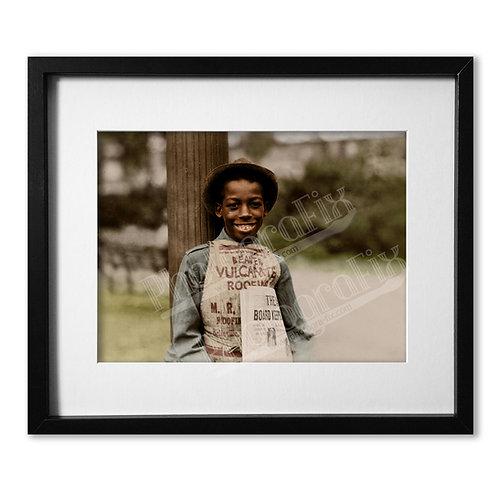 Lewis Hine - Roland the Newsboy
