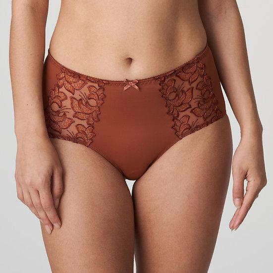 Deauville Shorts In Cinnamon By Prima Donna