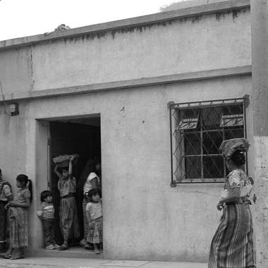 Aguas Calientes Women in Tienda