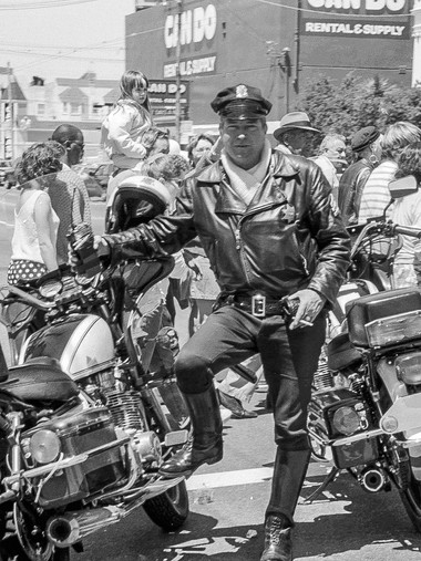 Motorcycle Cop Mission Carnaval