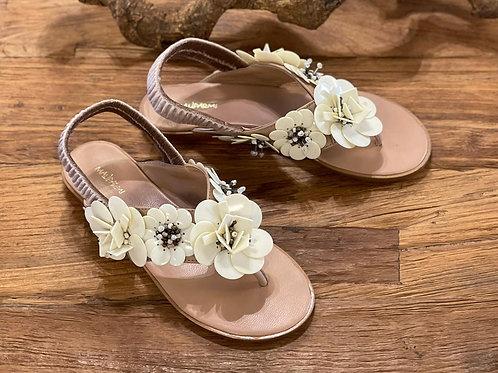 Sandalen mit Blumen