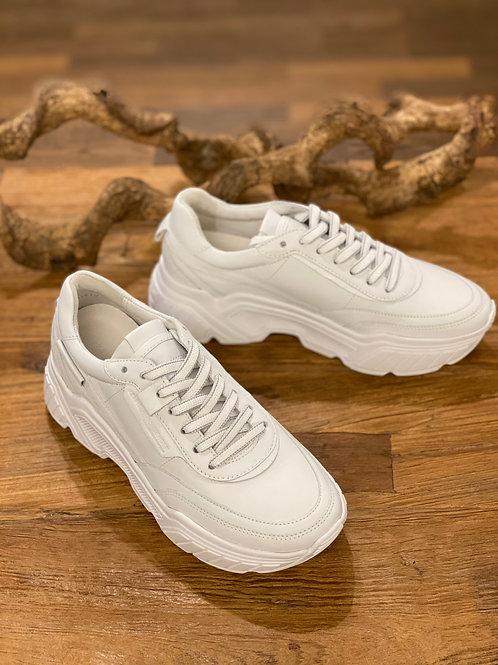 Weisser Sneaker