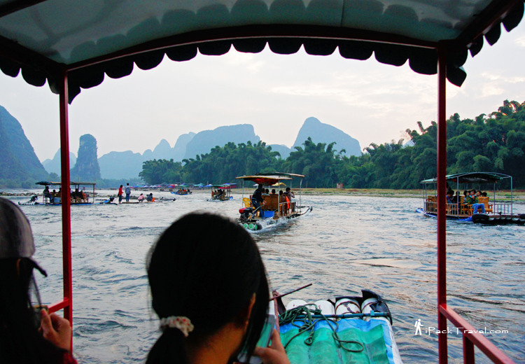 River rafting in Li River (漓江)