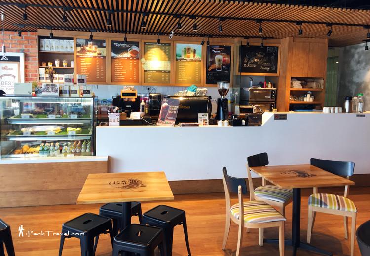 Doi Chaang Caffe @ Holiday Villa Hotel