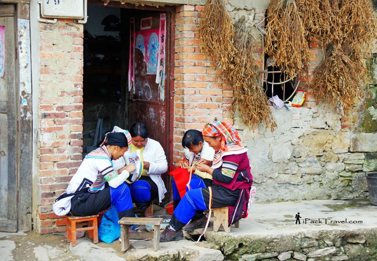 Yi minority ladies knitting