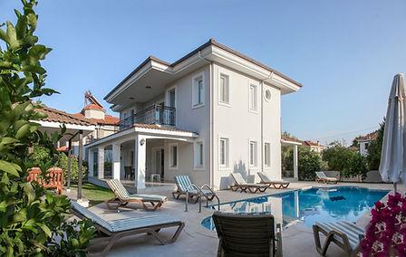 villa holiday 1.jpg