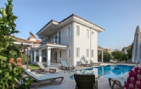 villa holiday 1.jpg