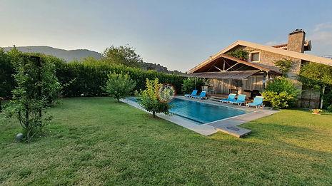 Villa Stone House -1 garden
